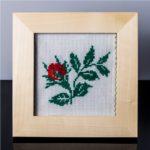 Tablou cu trandafir (rosu) – cusut manual